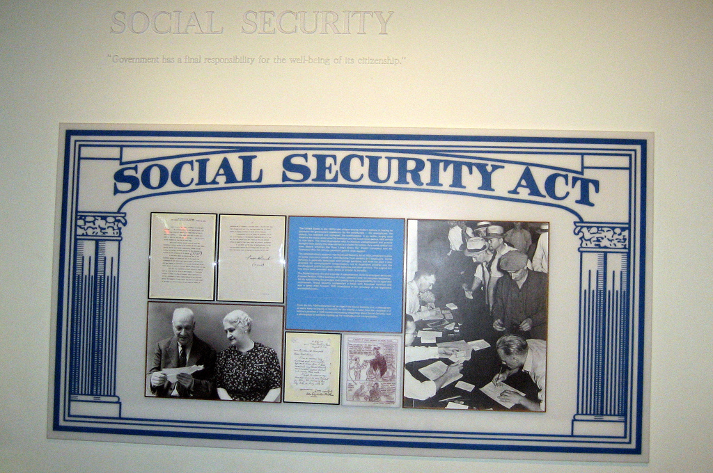 social security reform increasing taxes and Social security: calculation and history of taxing benefits wayne liou commission on social security reform (also known as the greenspan commission) to tax the social security benefits increase.